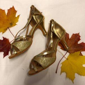Kullanväriset tanssikengät, GOLD